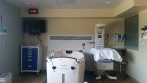 The hospital room where they held me for a few hours when I was six months pregnant, after I took a fall they were afraid might hurt the baby (he was and is fine). This was where I *though* I would give birth. HELLO birthing pool. I was wrong.